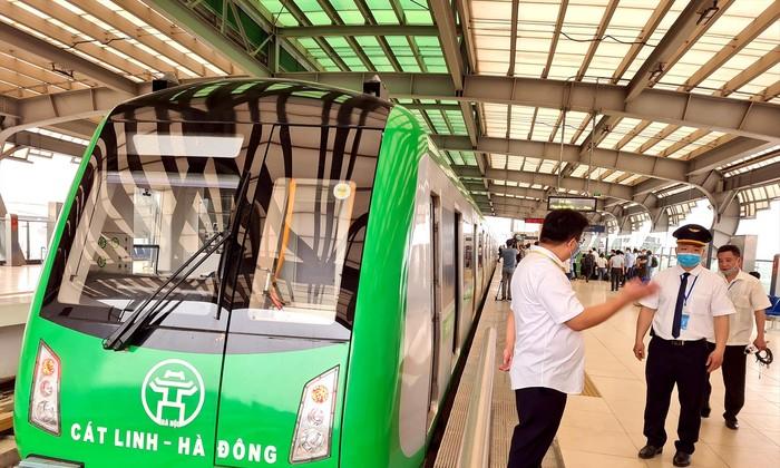Muộn nhất ngày 10/11, Bộ GTVT phải bàn giao dự án đường sắt Cát Linh - Hà Đông cho Hà Nội để khai thác thương mại.