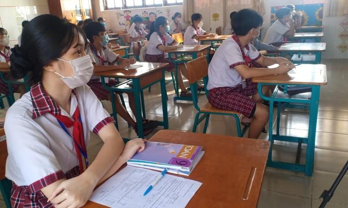 Học sinh Trường THCS- THPT Thạnh An đến trường học tập ngày 20/10