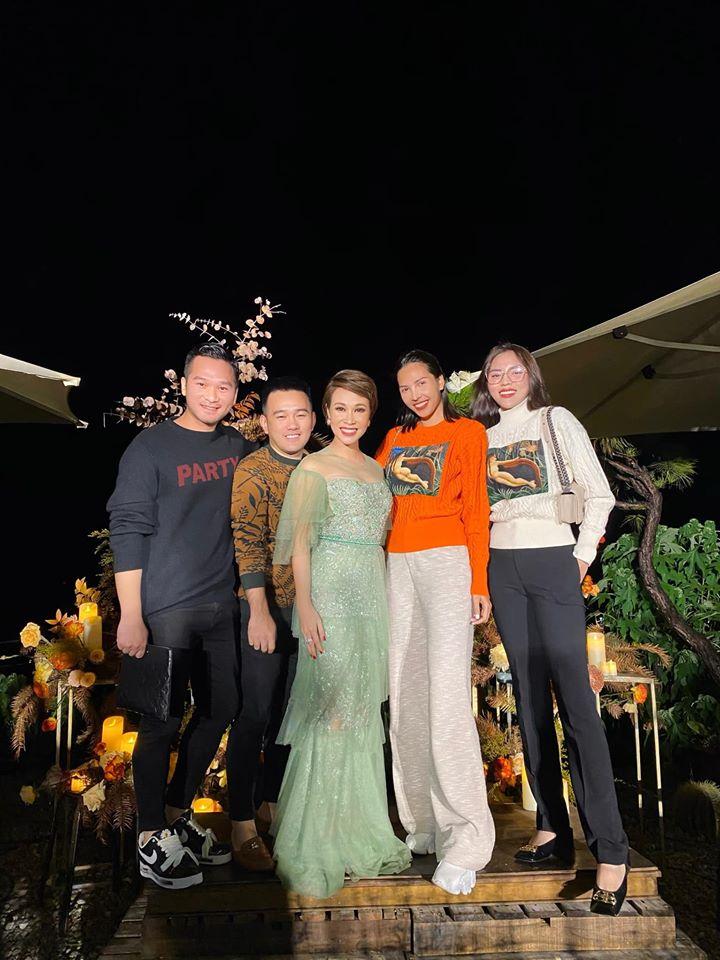 Hà Kiều Anh diện váy dạ hội cắt xẻ nóng bỏng, Lương Thùy