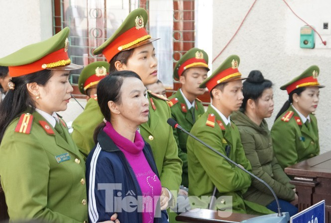 Bị cáo Trần Thị Hiền tại tòa sơ thẩm.