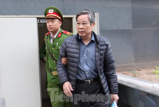 Bị cáo Nguyễn Bắc Son bị đề nghị chịu án tử hình vì nhận hối lộ.