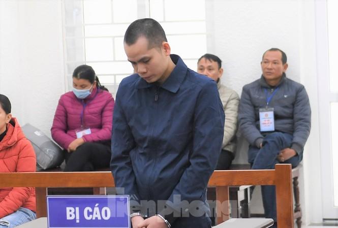 Bị cáo Phùng Văn Chiến.