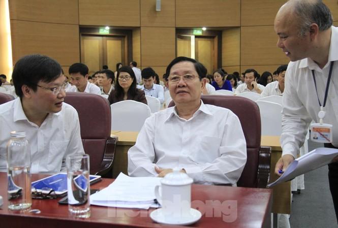 Bộ trưởng Bộ Nội vụ Lê Vĩnh Tân (giữa). Ảnh: Trường Phong