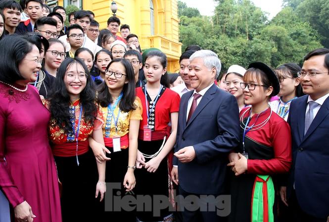 Phó chủ tịch nước Đặng Thị Ngọc Thịnh gặp gỡ học sinh, sinh viên, thanh niên dân tộc thiểu số tiêu biểu xuất sắc năm 2019