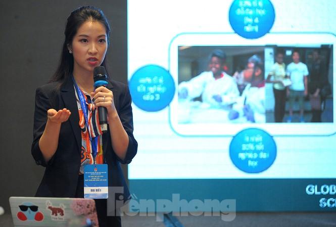 Nghiên cứu sinh Nguyễn Thị Sao Ly chia sẻ tại Diễn đàn. Ảnh: Xuân Tùng