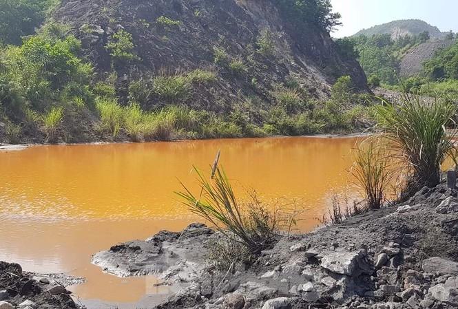 Vụ nước thải chứa kim loại đổ ra vịnh Hạ Long: Doanh nghiệp đổ lỗi Bộ Tài nguyên