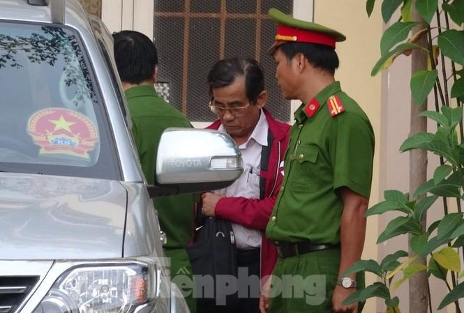 Bãi nhiệm chức danh Chủ tịch HĐND TP Phan Thiết