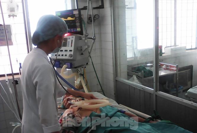 Bệnh nhân sốt xuất huyết điều trị tại Bệnh viện Kon Tum