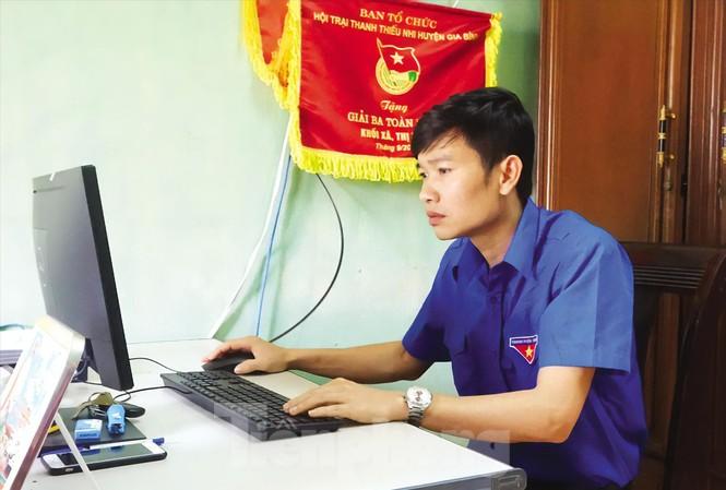 Anh Hoàng Văn Tuân - Bí thư Đoàn xã Đông Cứu