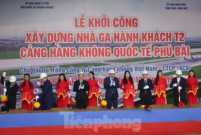 Phó Thủ tướng Thường trực Trương Hoà Bình cùng lãnh đạo Bộ GTVT, UBND Thừa Thiên Huế, ACV... khởi công nhà ga T2 sân bay Phú Bài