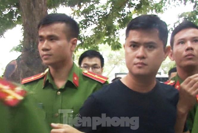 Công an bắt tạm giam bác sĩ Lê Quang Huy Phương về hành vi hiếp dâm và cố ý gây thương tích