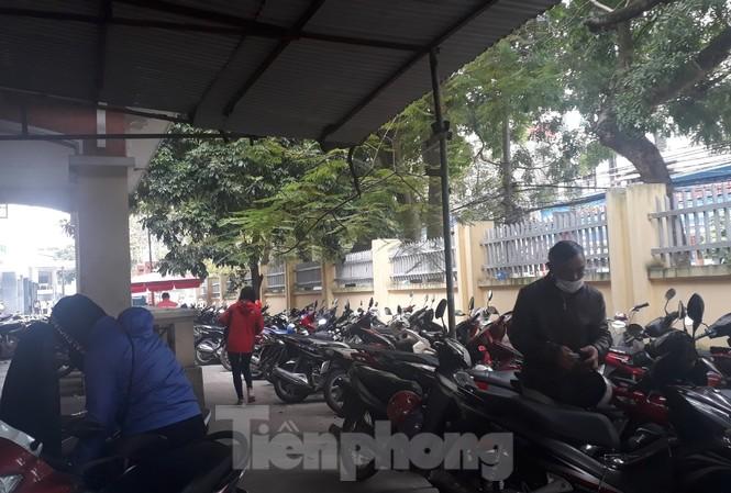 Điểm trông giữ xe trong Bệnh viện Đa khoa tỉnh Bắc Giang thu tiền vé gửi xe cao hơn quy định