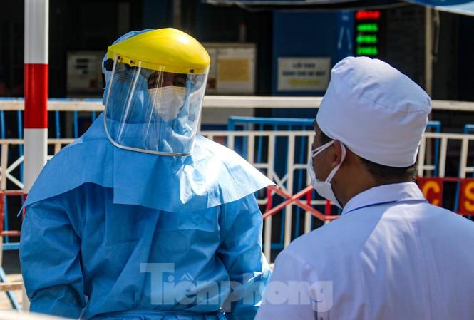 Nhân viên Y tế làm việc tại khu vực cách ly y tế tại TP Đà Nẵng hồi tháng 8/2020. Ảnh: Nguyễn Thành