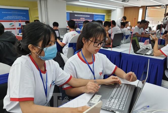 Thí sinh tham dự Sơ khảo cuộc thi Sinh viên với An toàn thông tin ASEAN 2020