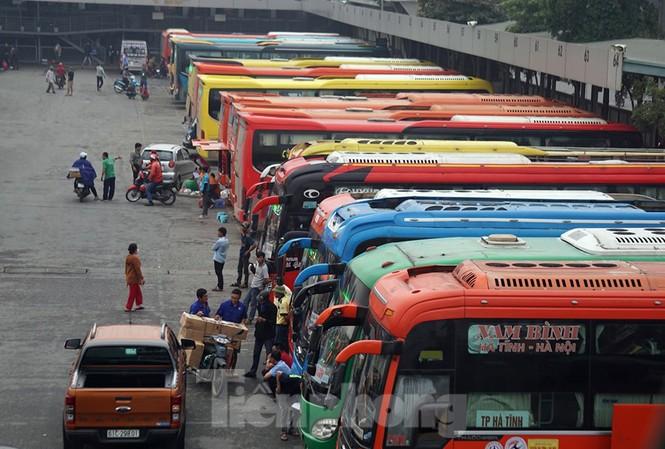 Bến xe 'ế' khách, cửa ngõ Hà Nội thông thoáng chiều cuối năm