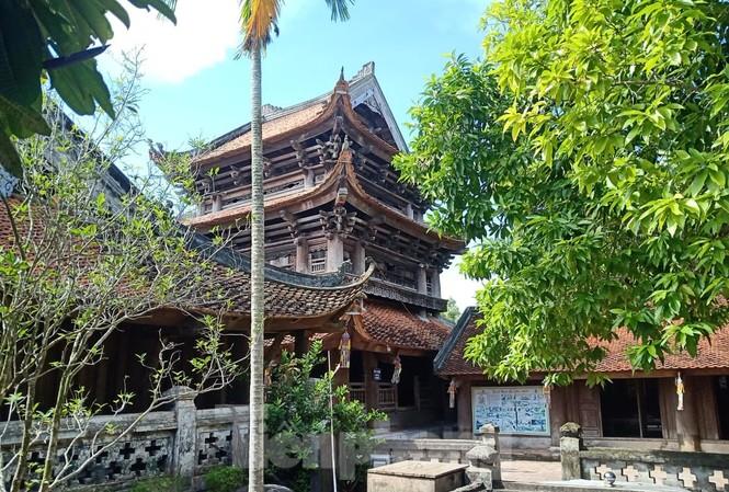 Gác chuông gỗ tại Chừa Keo Thái Bình được công nhận cao nhất Việt Nam - Ảnh: Hoàng Long