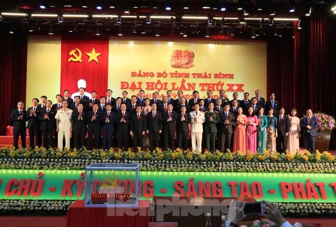 Bộ Chính trị chuấn y danh sách Ban Chấp hành, Ban Thường vụ và Bí thư, Phó Bí thư Tỉnh uỷ Thái Bình khoá XX - Ảnh: Hoàng Long