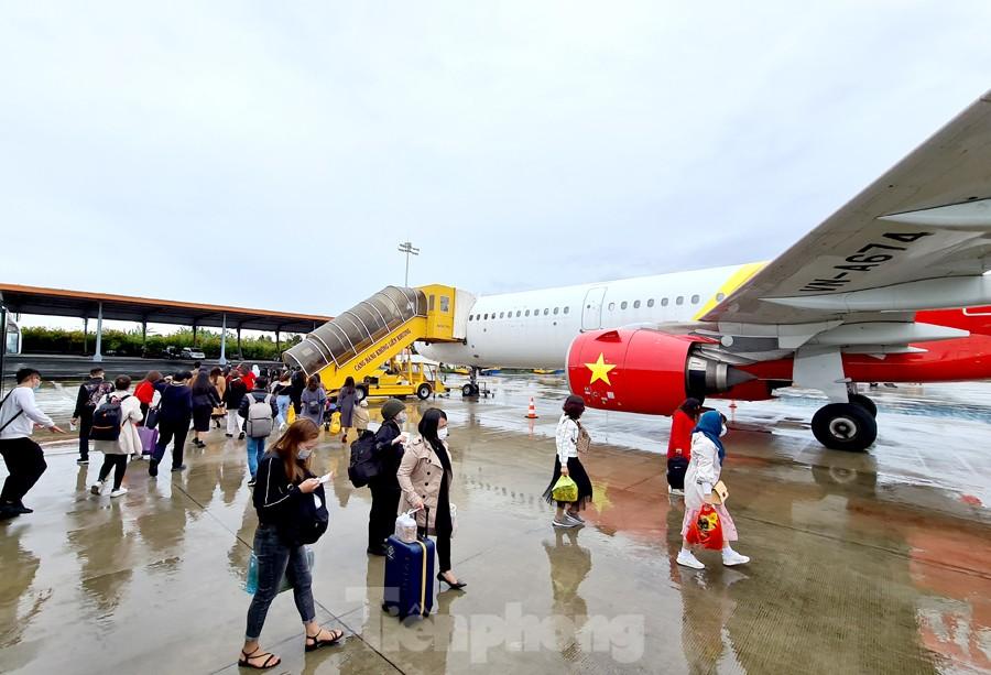 Cục Hàng không lại 'tuýt còi' các hãng bán vé Tết khi chưa được cấp phép
