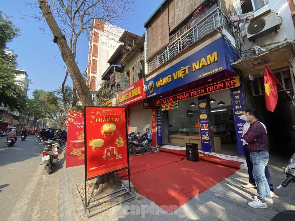 Nhiều nơi không còn cảnh xếp hàng, tiệm vàng đóng cửa ngày vía Thần tài - giá vàng