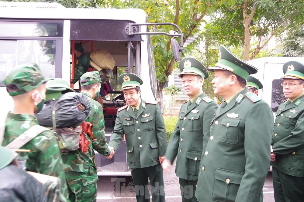 Tăng cường 2 tiểu đoàn Biên phòng lên biên giới chống dịch