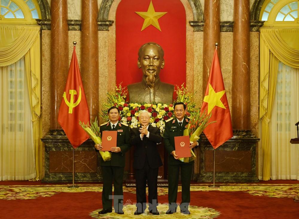 Hai Thứ trưởng Quốc phòng được thăng quân hàm Thượng tướng