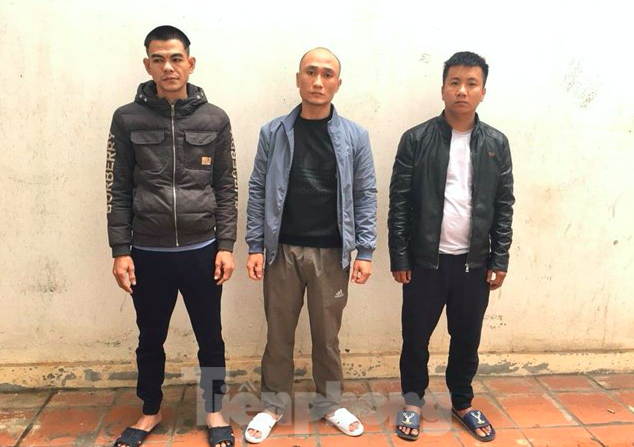 Thu 3 xe máy tang vật khi khám xét nhà của nhóm trộm liên tỉnh