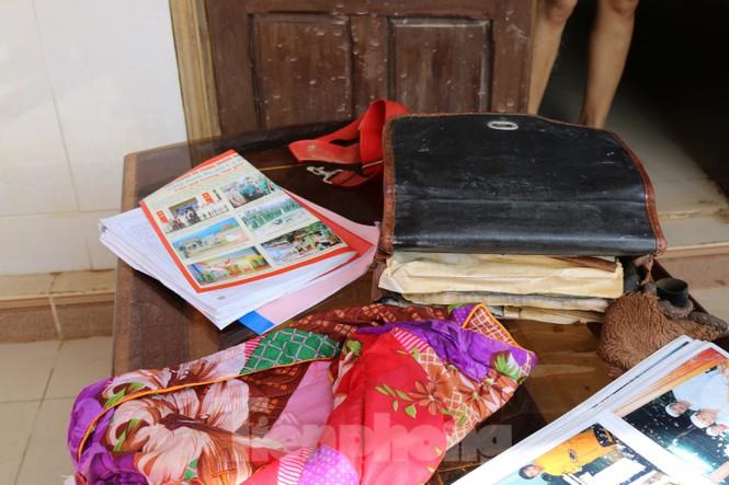 Sách vở bị lũ cuốn trôi, học sinh rốn lũ Quảng Bình thiếu thốn đợi ngày đến trường - ảnh 6