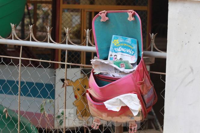 Sách vở bị lũ cuốn trôi, học sinh rốn lũ Quảng Bình thiếu thốn đợi ngày đến trường - ảnh 4