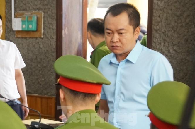 Bắt đầu xử loạt cán bộ giáo dục, công an Sơn La liên quan gian lận thi - ảnh 3