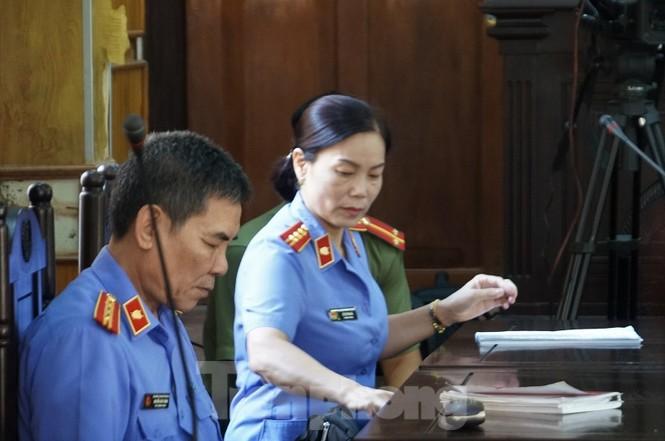 Bắt đầu xử loạt cán bộ giáo dục, công an Sơn La liên quan gian lận thi - ảnh 7