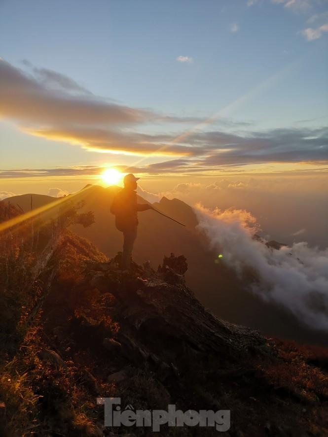 Lên đỉnh 'Thiên đường săn mây, bắt gió' Tà Chì Nhù - ảnh 2