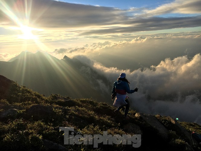 Lên đỉnh 'Thiên đường săn mây, bắt gió' Tà Chì Nhù - ảnh 10