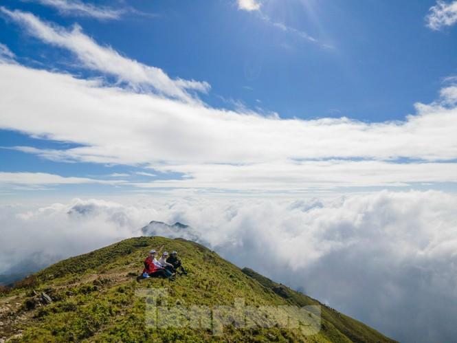 Lên đỉnh 'Thiên đường săn mây, bắt gió' Tà Chì Nhù - ảnh 4