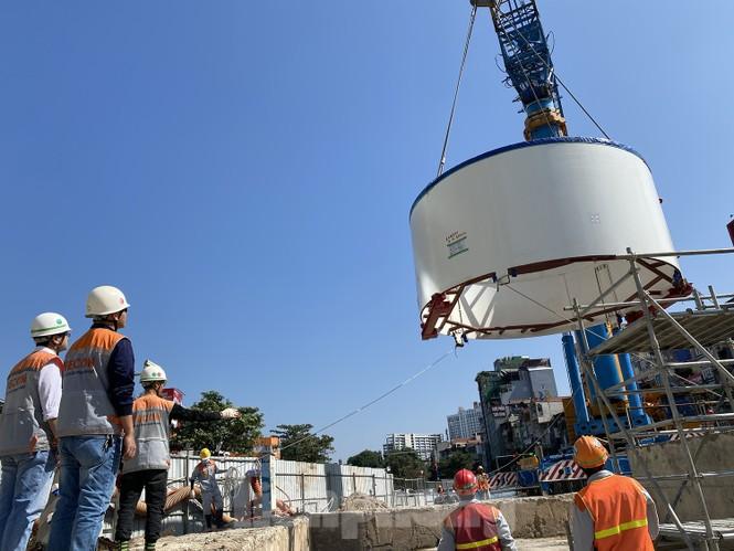 Cận cảnh lắp ráp robot đào hầm 'khủng' nặng 850 tấn thi công Metro Nhổn - ga Hà Nội - ảnh 10