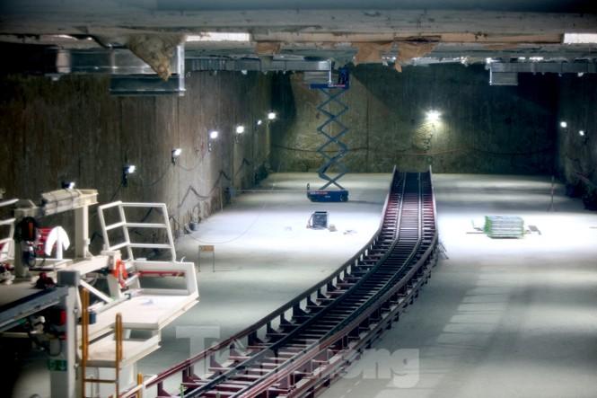 Cận cảnh lắp ráp robot đào hầm 'khủng' nặng 850 tấn thi công Metro Nhổn - ga Hà Nội - ảnh 3