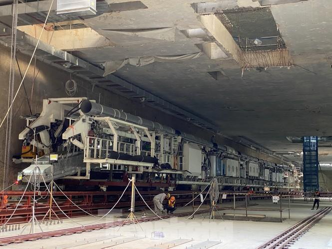 Cận cảnh lắp ráp robot đào hầm 'khủng' nặng 850 tấn thi công Metro Nhổn - ga Hà Nội - ảnh 1