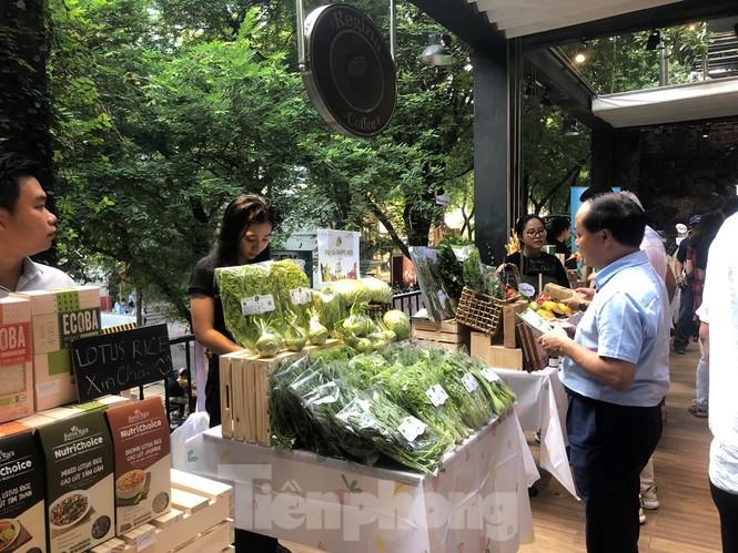 TPHCM: Dân nội trợ 'tranh nhau' mua heo rừng hữu cơ gần 400.000 đồng/kg - ảnh 6
