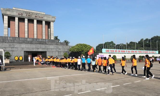344 đại biểu Đại hội Cháu ngoan Bác Hồ toàn quốc lần thứ IX báo công dâng Bác - ảnh 15