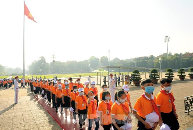 344 đại biểu Đại hội Cháu ngoan Bác Hồ toàn quốc lần thứ IX báo công dâng Bác - ảnh 14