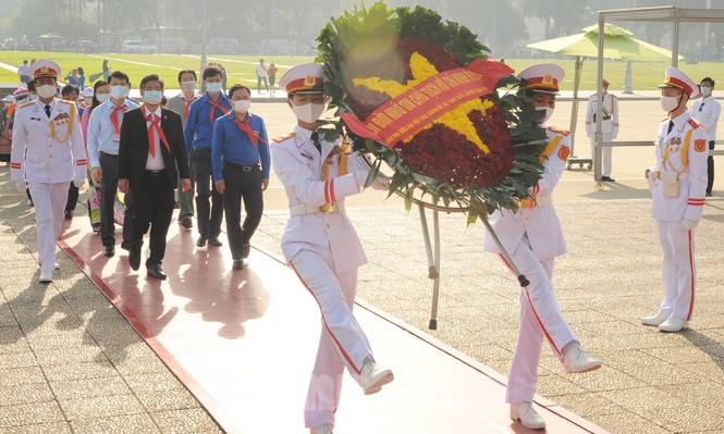 344 đại biểu Đại hội Cháu ngoan Bác Hồ toàn quốc lần thứ IX báo công dâng Bác - ảnh 11