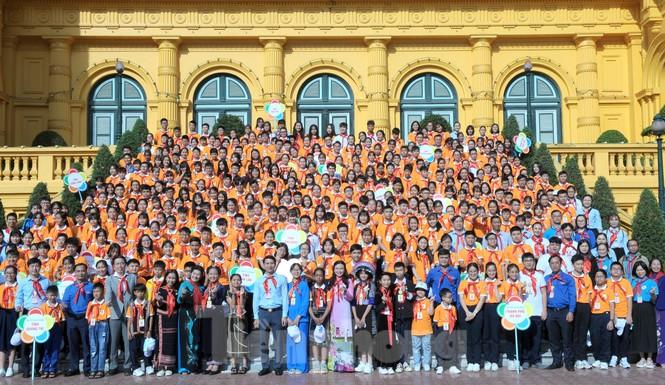 344 đại biểu Đại hội Cháu ngoan Bác Hồ toàn quốc lần thứ IX báo công dâng Bác - ảnh 16