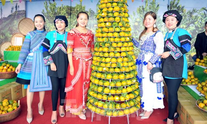 Tuần lễ quýt ngọt biên giới Mường Khương tại Hà Nội - ảnh 4