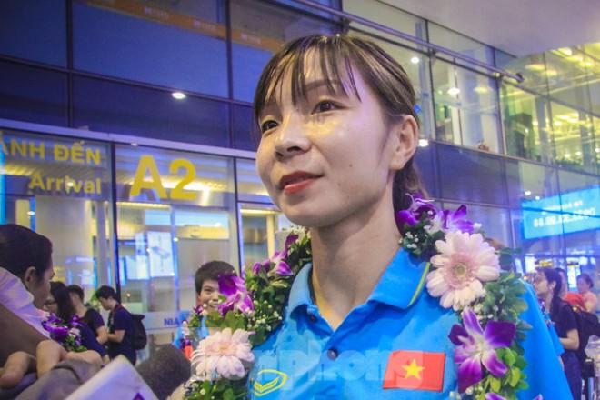 Tuyển nữ 'vinh quy bái tổ', HLV Mai Đức Chung tiết lộ bí quyết thắng Thái Lan - ảnh 9