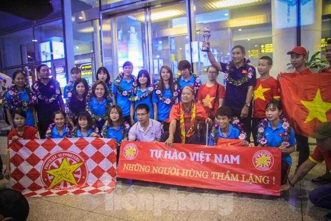 Tuyển nữ 'vinh quy bái tổ', HLV Mai Đức Chung tiết lộ bí quyết thắng Thái Lan - ảnh 11