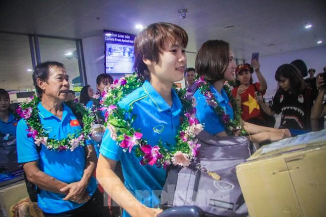 Tuyển nữ 'vinh quy bái tổ', HLV Mai Đức Chung tiết lộ bí quyết thắng Thái Lan - ảnh 4