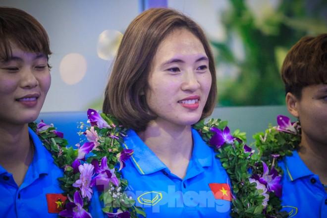 Tuyển nữ 'vinh quy bái tổ', HLV Mai Đức Chung tiết lộ bí quyết thắng Thái Lan - ảnh 6