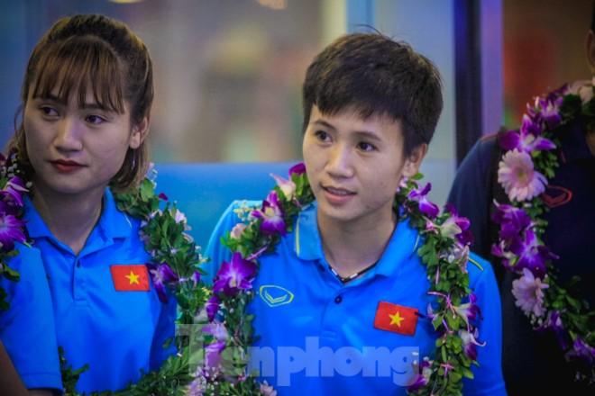 Tuyển nữ 'vinh quy bái tổ', HLV Mai Đức Chung tiết lộ bí quyết thắng Thái Lan - ảnh 7