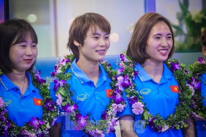 Tuyển nữ 'vinh quy bái tổ', HLV Mai Đức Chung tiết lộ bí quyết thắng Thái Lan - ảnh 8