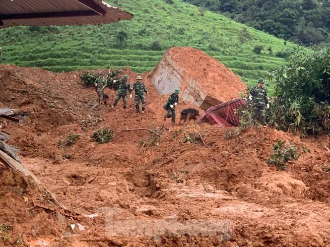 22 chiến sĩ bị vùi lấp: Bóc từng thớ đất tìm kiếm đồng đội  - ảnh 2
