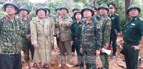 22 chiến sĩ bị vùi lấp: Bóc từng thớ đất tìm kiếm đồng đội  - ảnh 7
